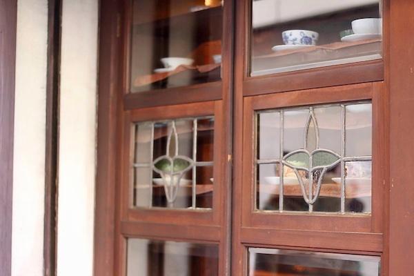 皇琲亭窓のステンドグラス