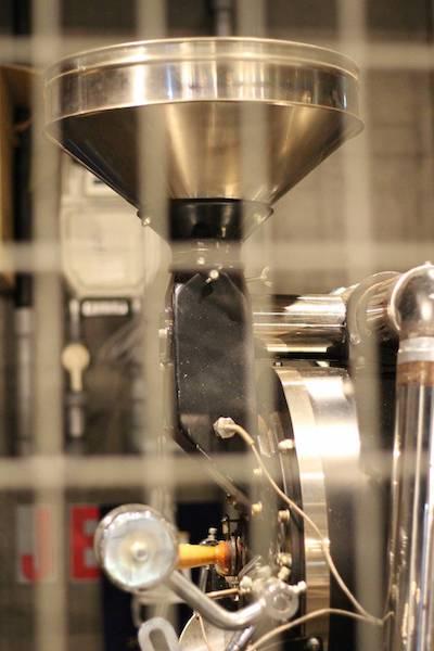 スロージェットコーヒーの焙煎マシーン