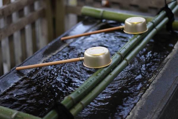仲町氷川神社の手水舎の画像1