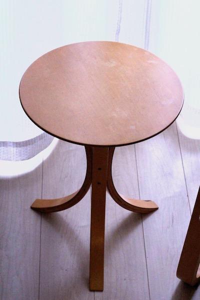 画像:サイドテーブル