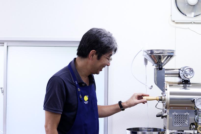 画像:99coffee(NINTEYNINE COFFEE ナインティナインコーヒー)自家焙煎のコーヒー豆 オーナー安藤さん