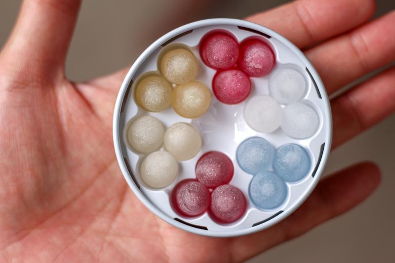 画像:北海道のお土産お菓子屋さん六花亭(ろっかてい)の六花のつゆ
